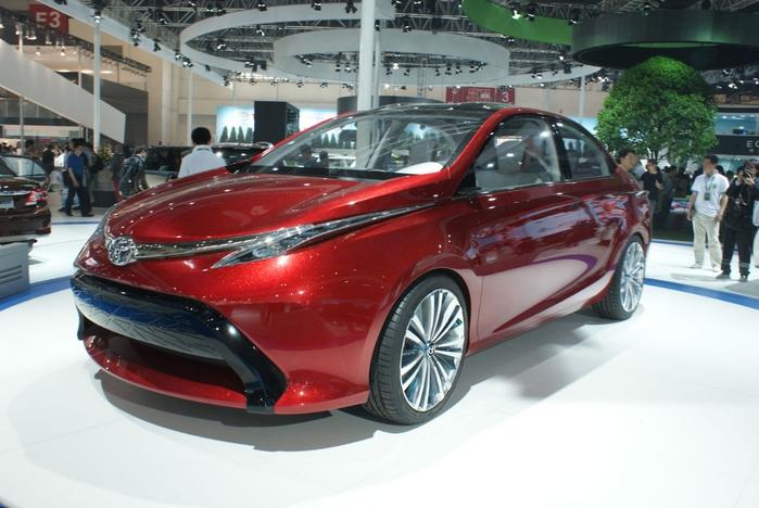 Toyota-Dear-Qin-Concept-Sedan-03 (700x468, 238Kb)