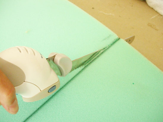 electric-knife-cutting-foam (550x413, 26Kb)