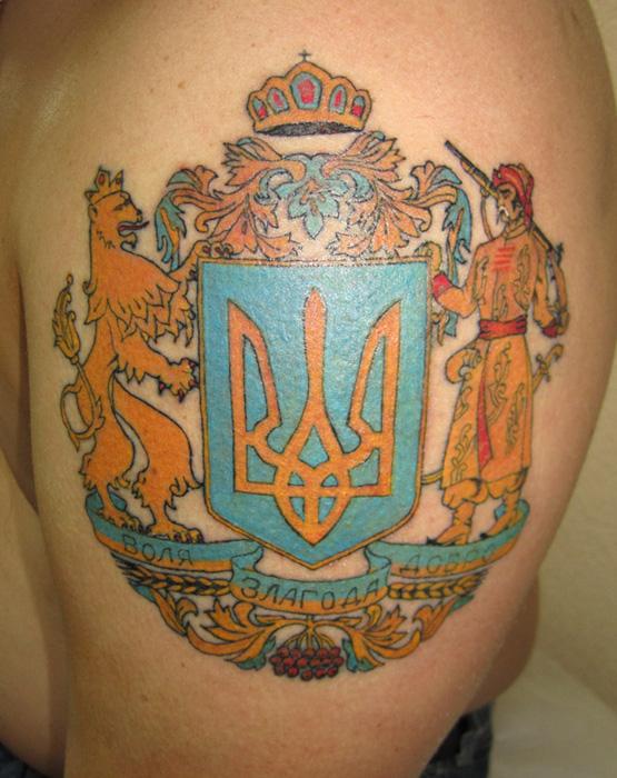 тату герб россии на руке