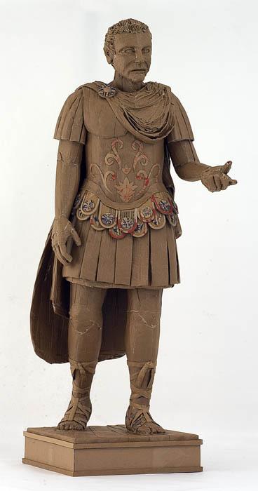 скульптуры из картона 11 (368x700, 50Kb)