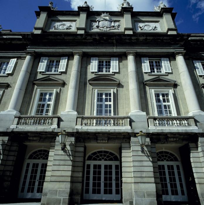 001а-121_fachada-del-palacio-de-liria-de-madrid (697x700, 476Kb)