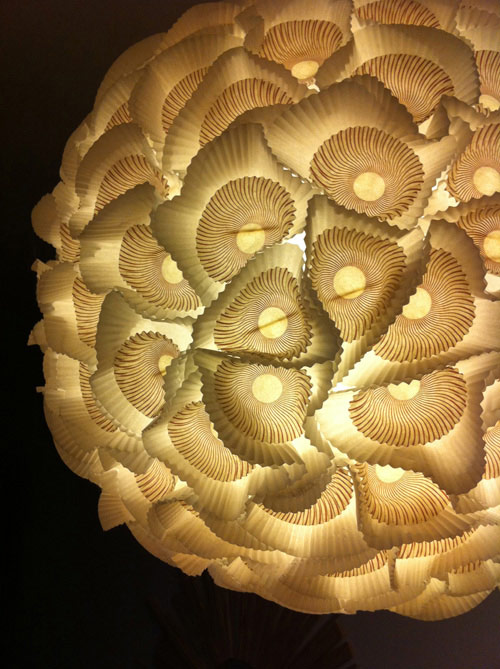 ds_diy_paper_chandelier_lit_detail (500x669, 91Kb)