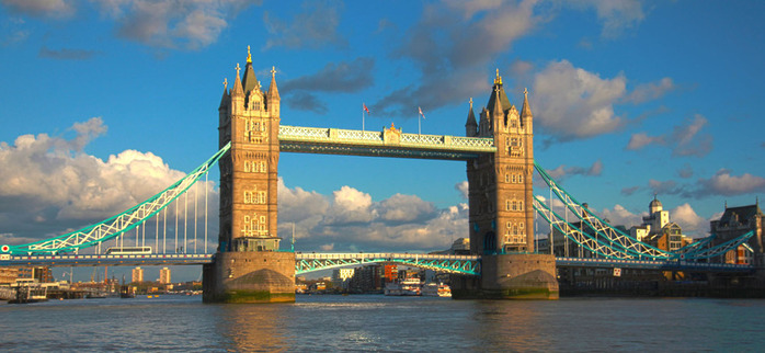 HDR Tower bridge_cut (700x322, 99Kb)