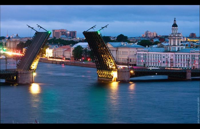 питер-мост поднят (700x451, 95Kb)