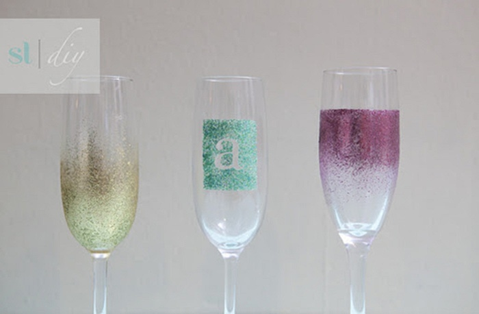 st-diy_personalized_champagne_glasses (700x458, 49Kb)