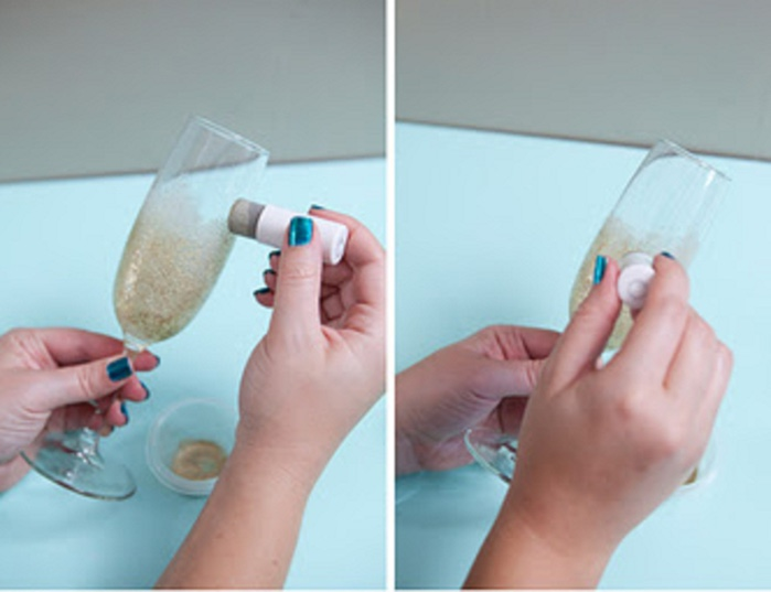 st-diy_personalized_champagne_glasses5 (1) (700x537, 63Kb)