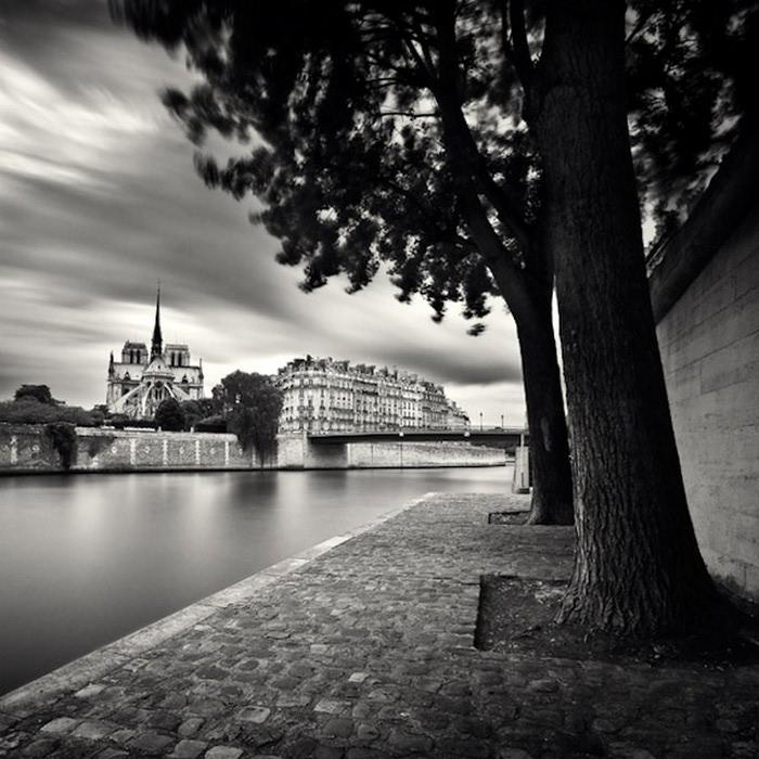 Черно-белые фото парижа Damien Vassart 1 (700x700, 123Kb)