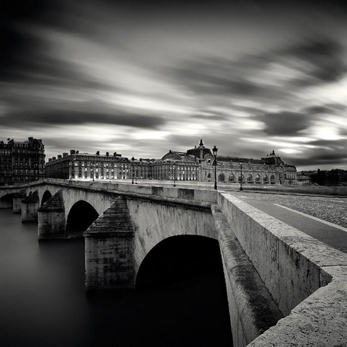 Черно-белые фото парижа Damien Vassart 3 (700x700, 94Kb)