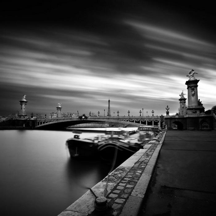 Черно-белые фото парижа Damien Vassart 6 (700x700, 67Kb)