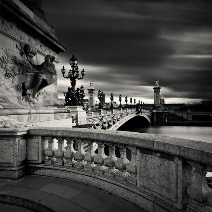 Черно-белые фото парижа Damien Vassart 9 (700x700, 119Kb)