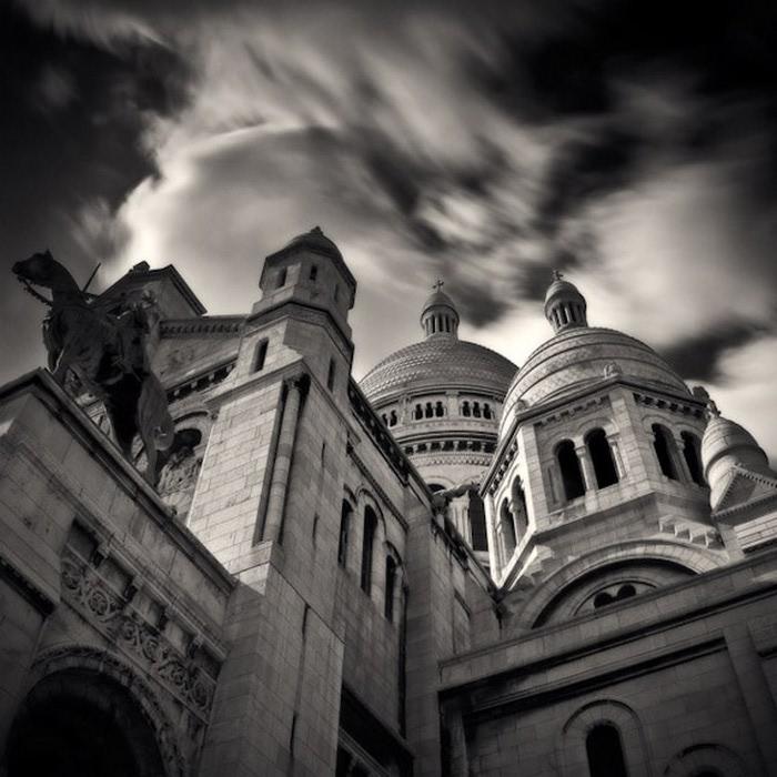 Черно-белые фото парижа Damien Vassart 11 (700x700, 108Kb)