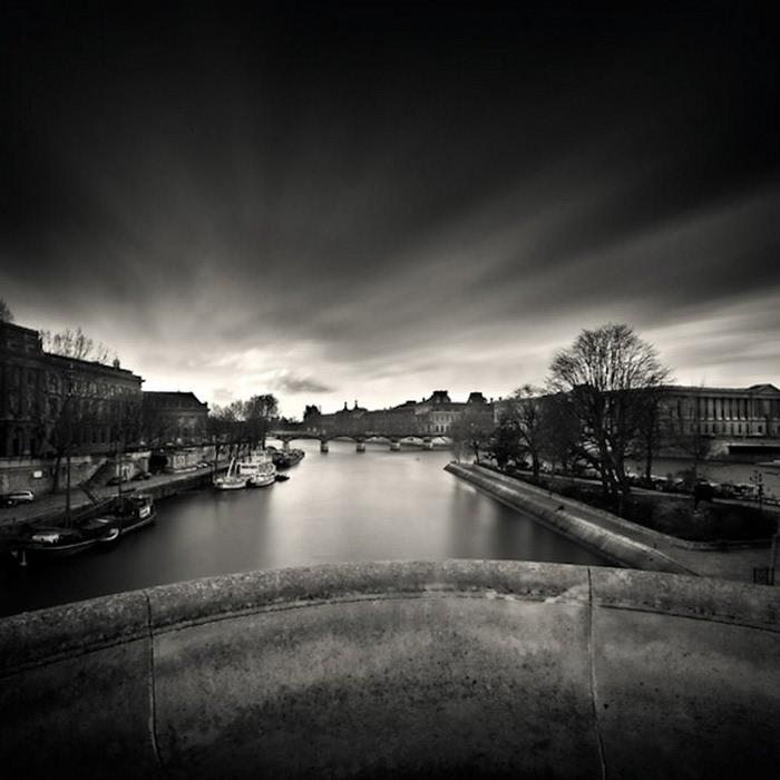 Черно-белые фото парижа Damien Vassart 13 (700x700, 80Kb)