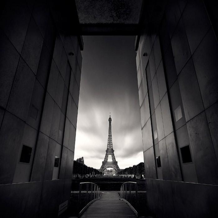 Черно-белые фото парижа Damien Vassart 19 (700x700, 66Kb)
