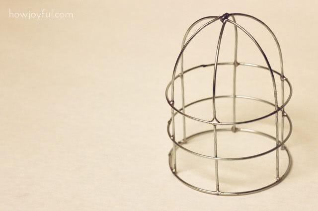 Из проволоки. Декоративные клетки для птичек (640x425, 21Kb)