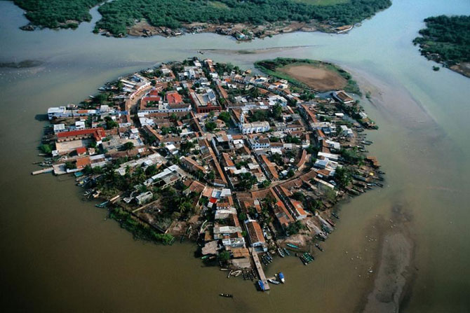 город на воде фото 2 (670x447, 82Kb)