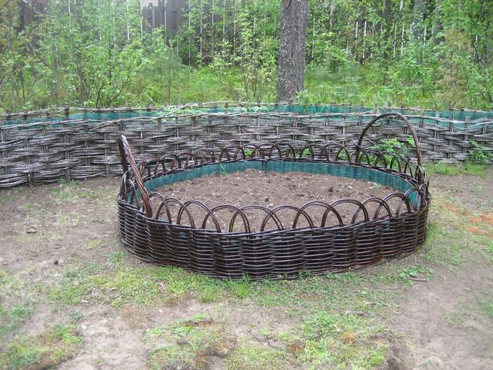 Плетеные заборы на даче своими руками фото 310