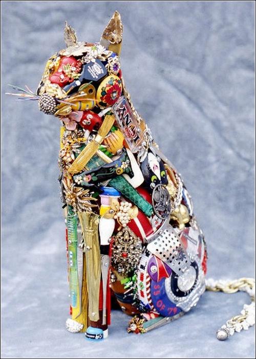 Красивые скульптуры из мусора 19 (500x700, 386Kb)