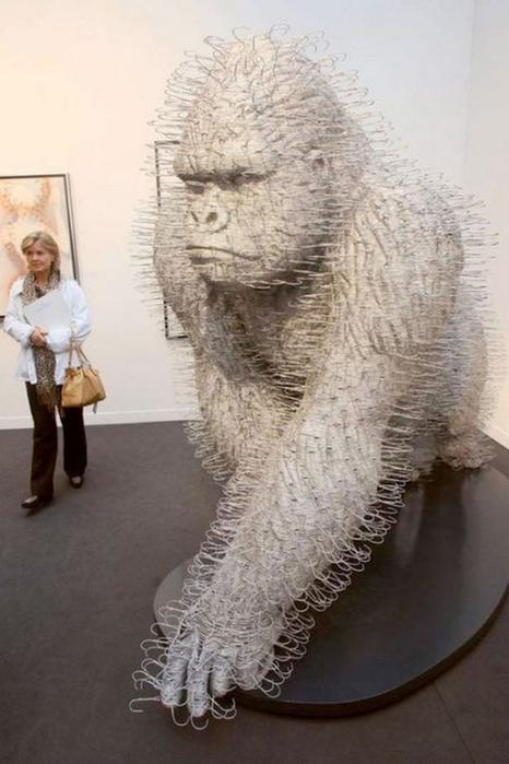 Красивые скульптуры из мусора 73 (466x700, 263Kb)