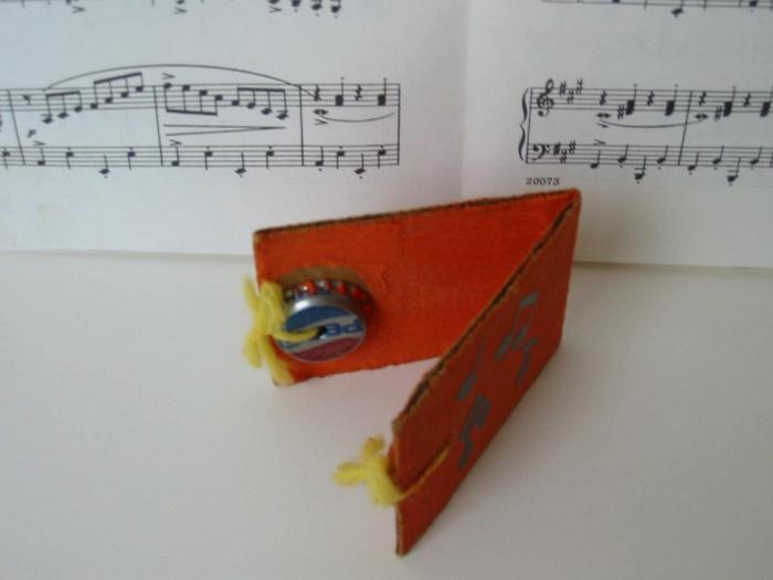 Музыкальный инструмент из бумаги своими руками 34