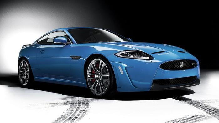 Самые красивые машины 2011 года по версии журнала Forbes Jaguar XKR-S 1 (700x393, 53Kb)