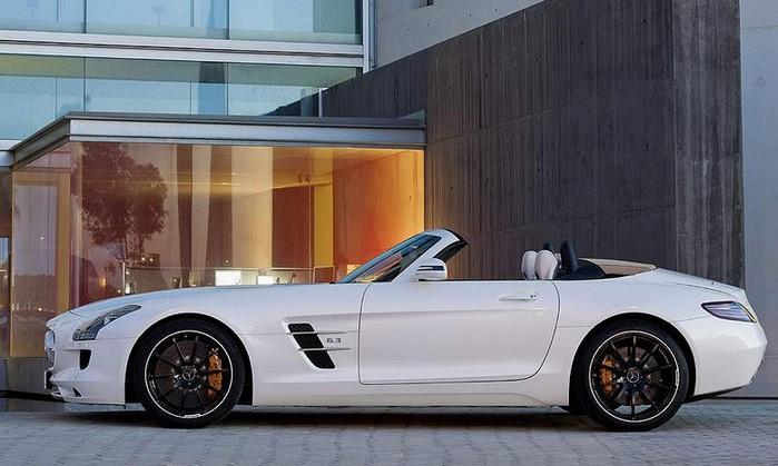 Самые красивые машины 2011 года по версии журнала Forbes Mercedes-Benz SLS AMG Roadster 1 (700x419, 76Kb)