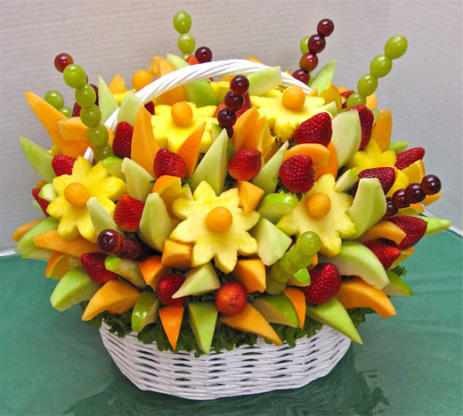 korzinka-s-buketom-iz-fruktov (520x468, 72Kb)