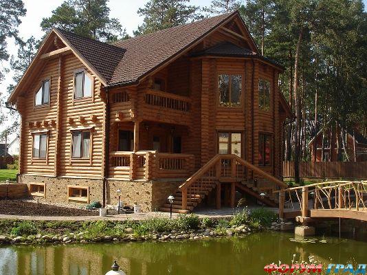 Строительство деревянных домов Мы строим деревянные дома, коттеджи, бани из оцилиндрованного бревна и бруса...
