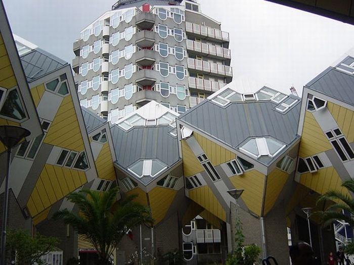 Необычные здания со всех уголков света 25 (700x525, 95Kb)
