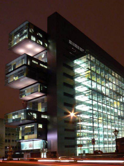 Необычные здания со всех уголков света 37 (525x700, 344Kb)