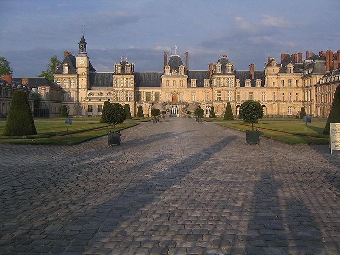 800px-Fontainebleau_West (700x525, 98Kb)
