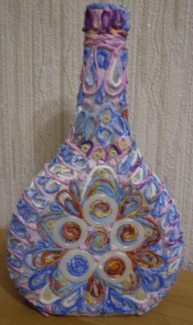 Декор бутылки в технике пейп-арт