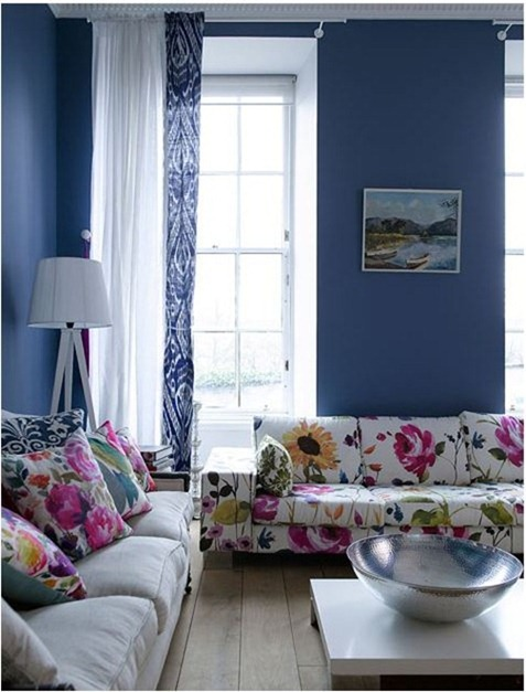 floral-sofa-blue-walls-design-sponge (477x627, 77Kb)