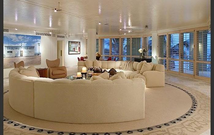 Современный дизайн стен гостиной 6 (700x442, 81Kb)