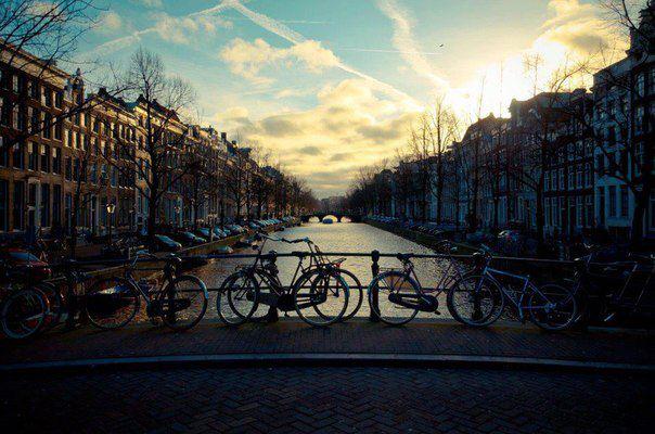 Велосипеды на мосту, Амстердам (604x400, 54Kb)