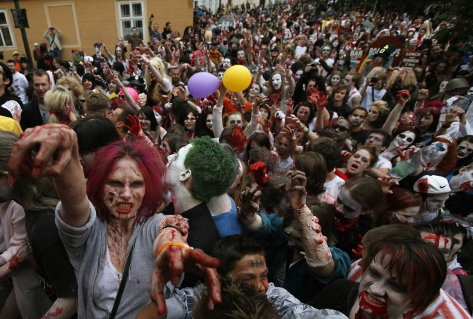 Zombies_in_Prague_Pixanews.com-1-680x459 (680x459, 111Kb)