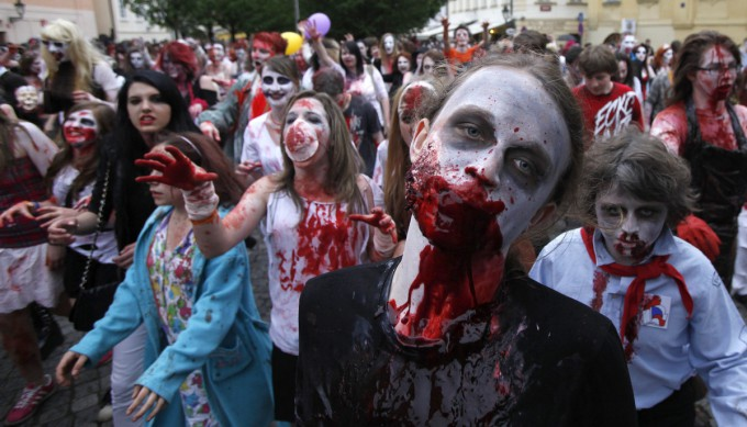 Zombies_in_Prague_Pixanews.com-2-680x389 (680x389, 82Kb)