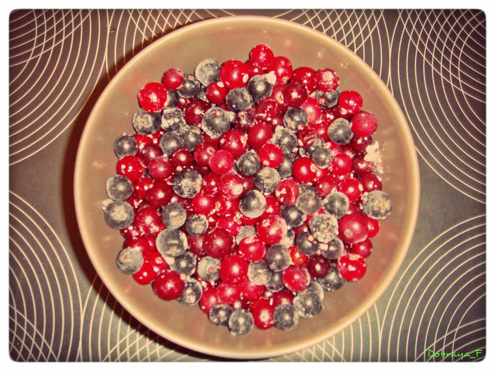 Замороженные ягоды для морса/1336989504_YAgodnuyy_mors (700x525, 267Kb)