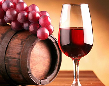 Приносит ли вред красное вино