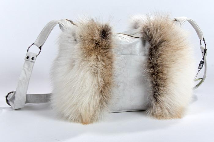 женский сумка из меха. сумка из меха лисы.