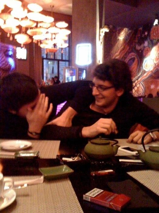 Два гея и девочка 7 фотография