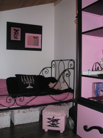 4497432_frenchwomenbedroomcreative152 (360x480, 120Kb)