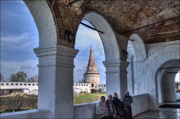 Кузнечная башня Иосифо-Волоцкого монастыря/3673959_6 (700x464, 181Kb)