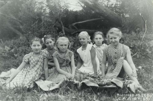 Голенькая девочка в лагере фото 355-945