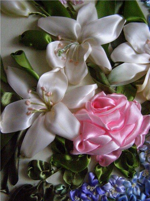 цв. выш. лентами розаи бел. цв. (480x640, 70Kb)