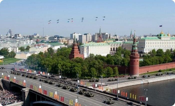 Лучший подарок - достопримечательности Москвы с высоты птичьего полета 9 (700x426, 81Kb)