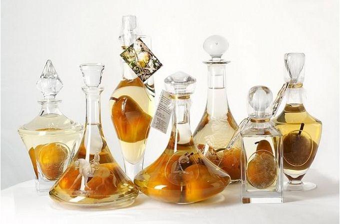 груша в бутылке ракия (680x449, 48Kb)