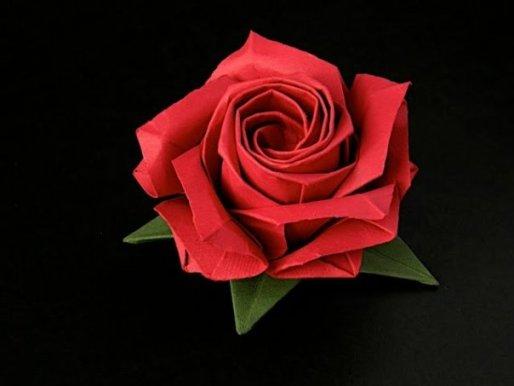 Эта роза делается из