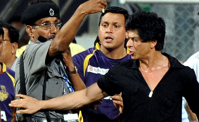 Shah-Rukh-Khan-may-be-banned-from-entering-Mumbais-Wankhede-Stadium-after-reports-that-he-was-involved-in-a-brawl-with-the-staff (650x400, 73Kb)