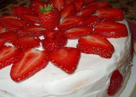 клубничный торт (450x321, 30Kb)