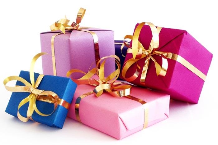 Подарки (700x467, 61Kb)